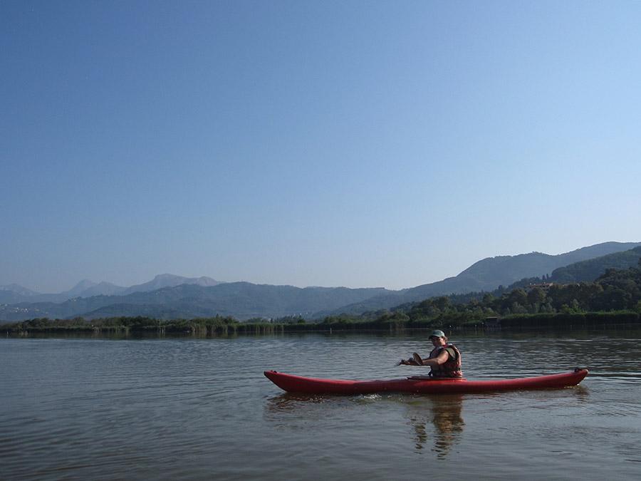 puccini-lake-massaciuccoli-kayak