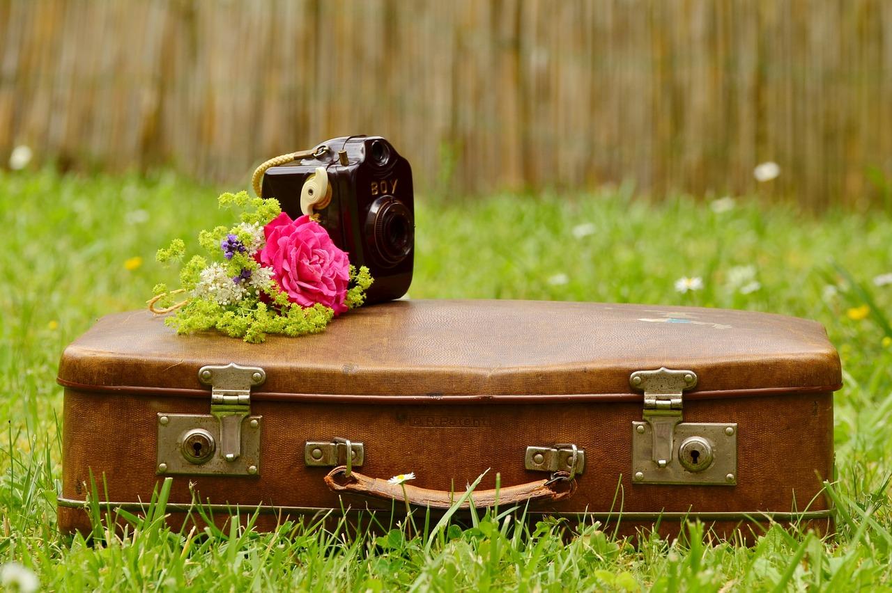 viaggiare sostenibile - valigia