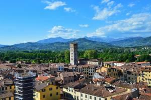 Versilia in autunno: Lucca Comics and Games in bicicletta