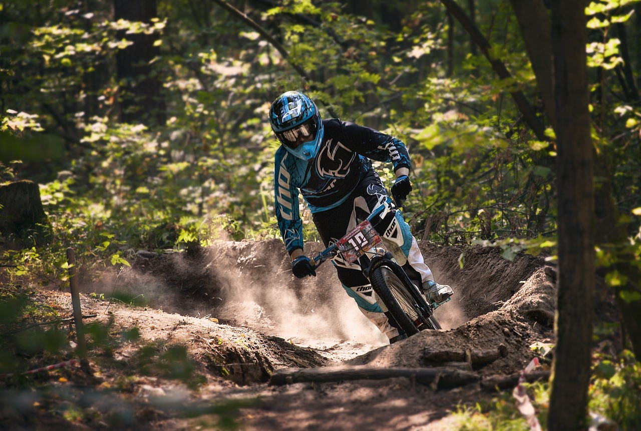 downhill-mountainbike-Camaiore-tuscany
