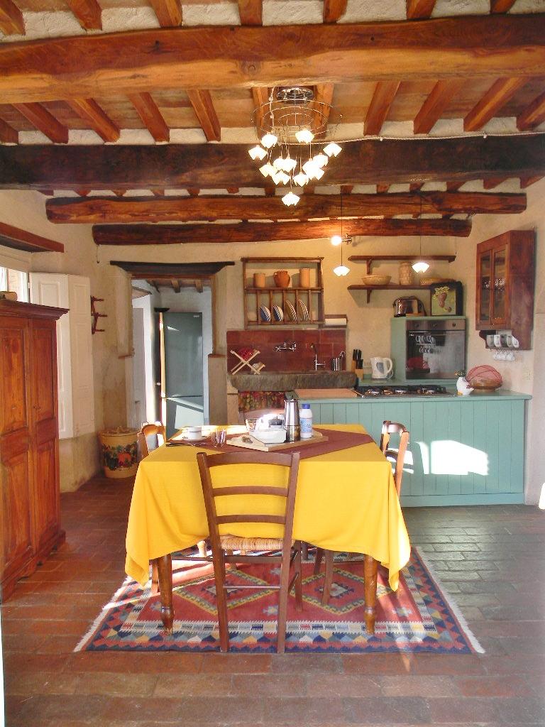 sala pranzo-rustico-toscana